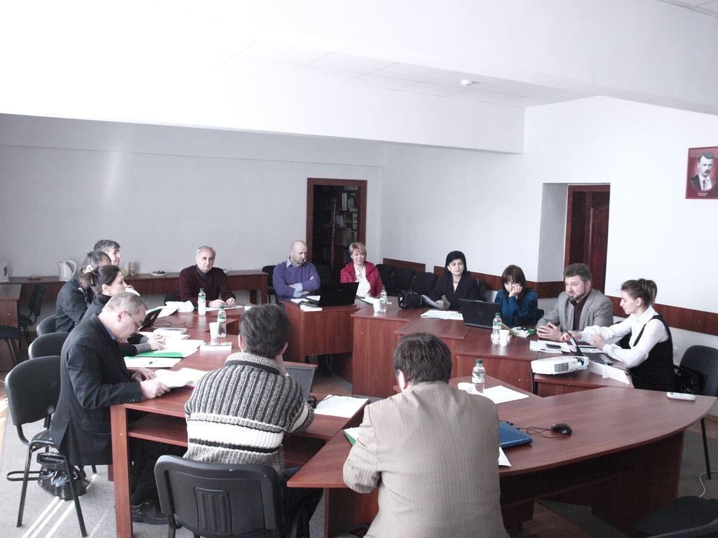You are browsing images from the article: Триває інтенсивне спілкування між експертами IUCN країн програми ENPI FLEG