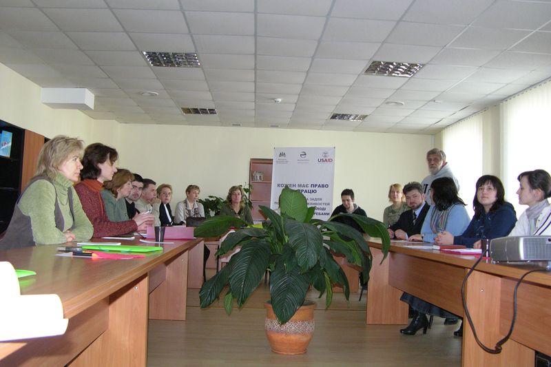 You are browsing images from the article: 'Ikvienam ir tiesības strādāt: partnerattiecības, lai uzlabotu nodarbinātības iespējas jauniešiem ar speciālām vajadzībām'